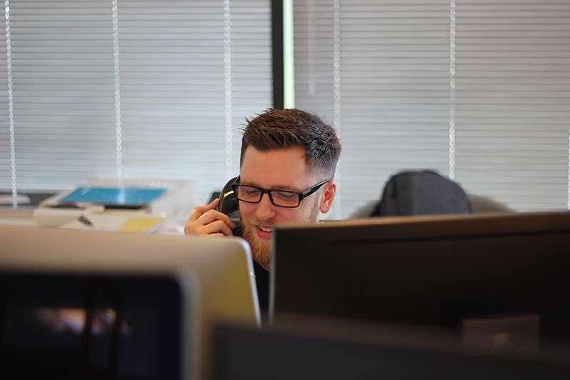 6 conseils pour former les employés d'un centre d'appels au service clients