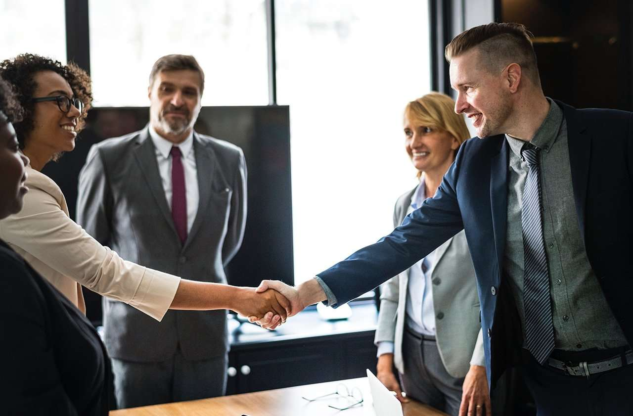 Les deux facettes de la vente : émotion et négociation