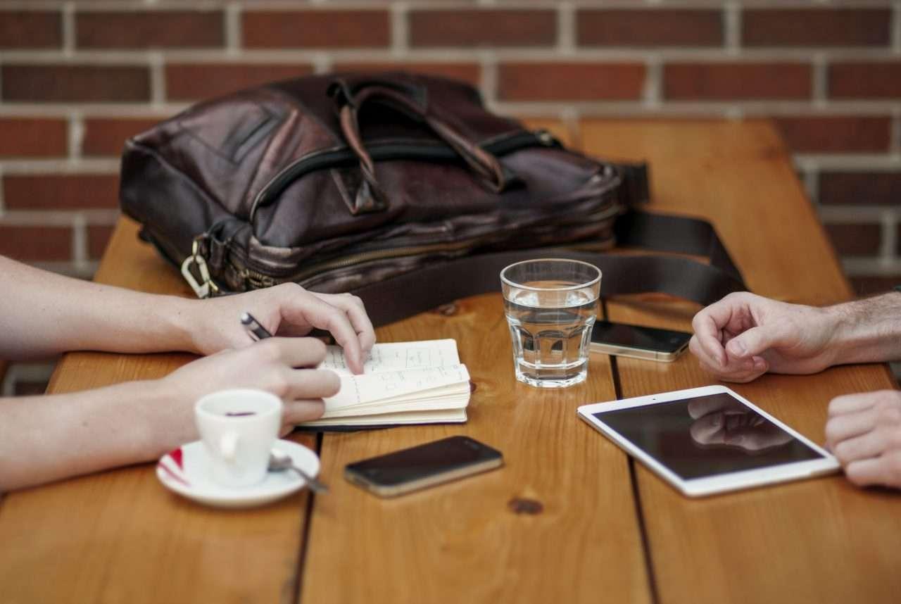 Wie man eine Verhandlung vorbereitet und die wichtigsten Informationen über den Verhandlungspartner erlangt