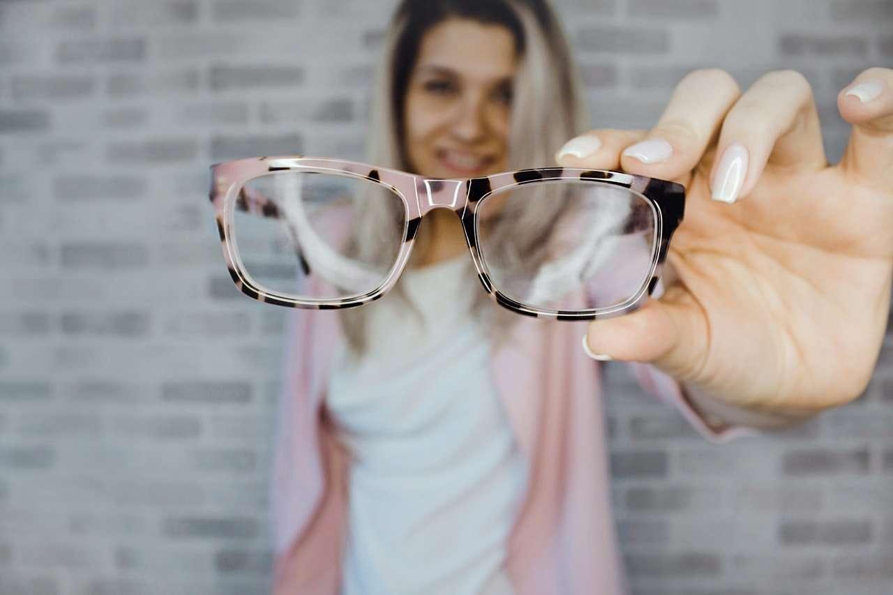 """Apollo-Optik nutzt ein Serious Game, um seine Führungskräfte zu ermutigen, sich die authentische """"Leader-Brille"""" aufzusetzen"""